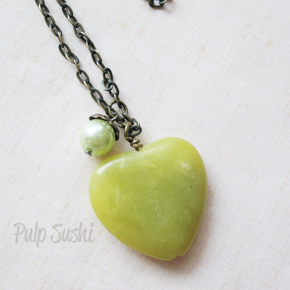 Long Strand Green Jade Heart Necklace - pulpsushi
