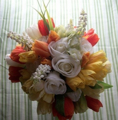 10 Pc. Green, Yellow, Orange, and White Rose and Tulip Bouquet Set