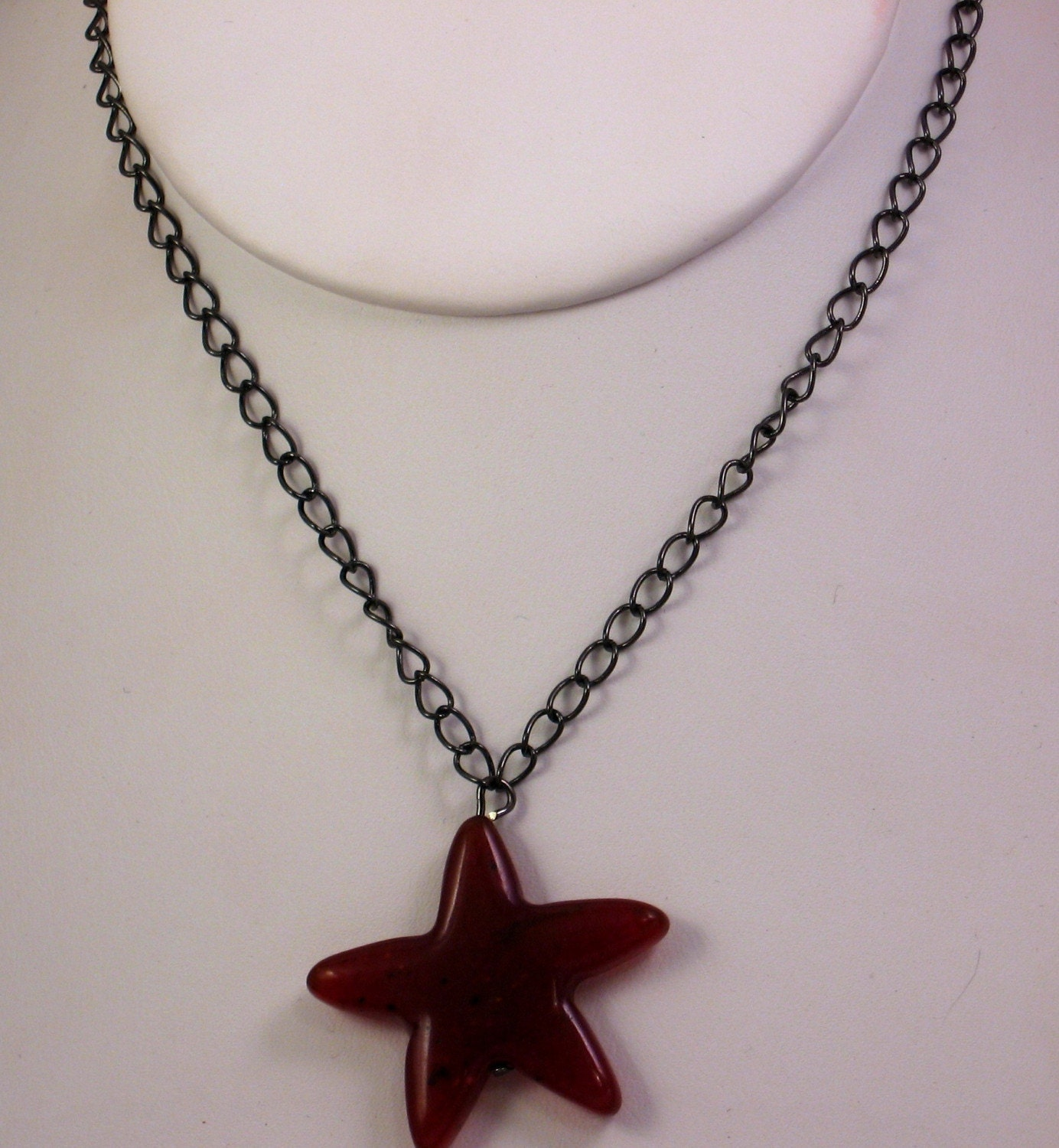 Etsy :: Raspberry Star Necklace