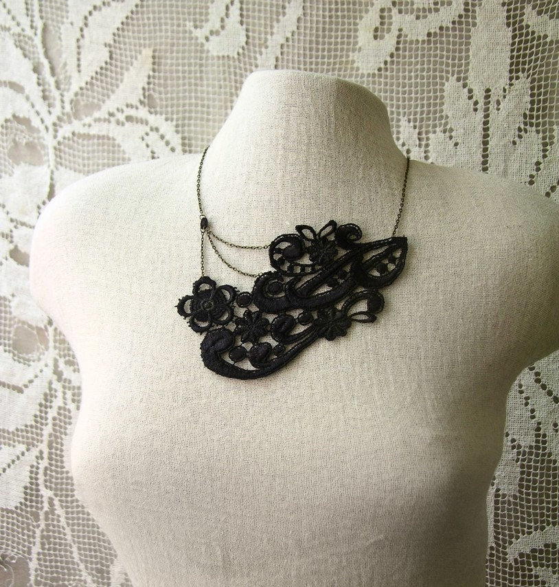 Friday's Finds: Statement Necklaces via TheELD.com