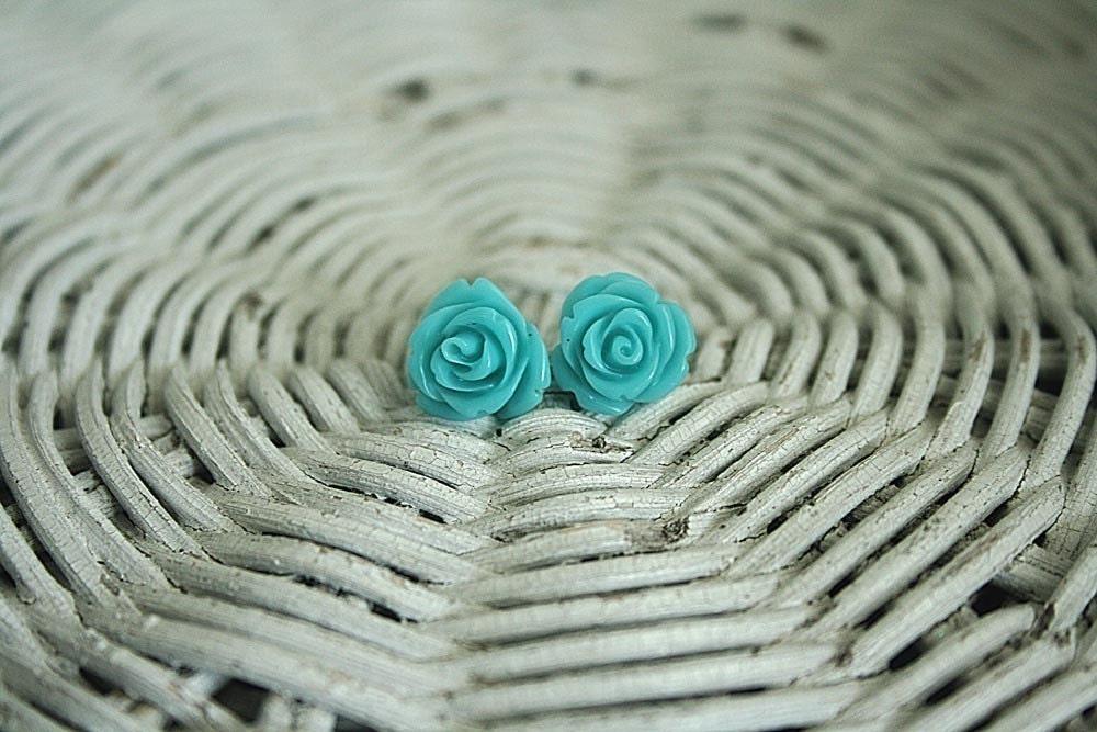 Alice in Wonderland blue rose earrings