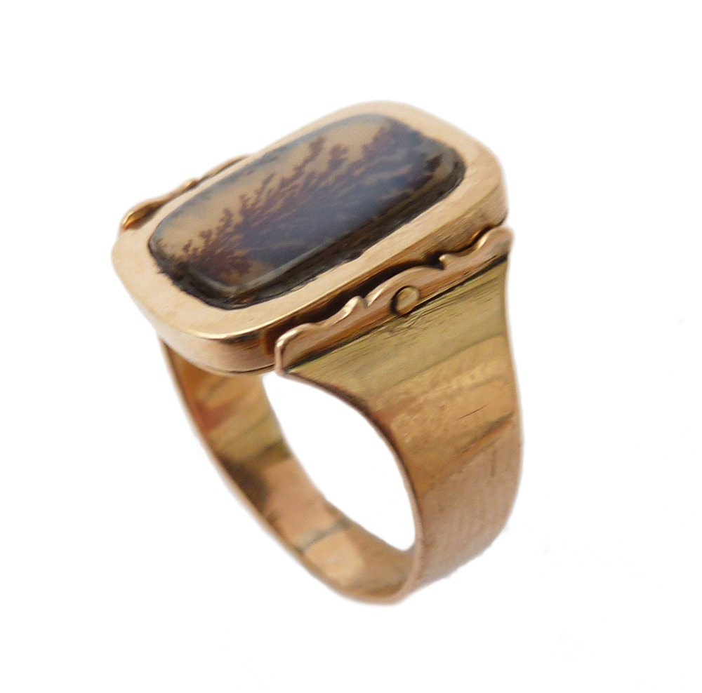 Georgian Dendritic Agate And Enamelled Plaque Swivel Mourning Ring  1803
