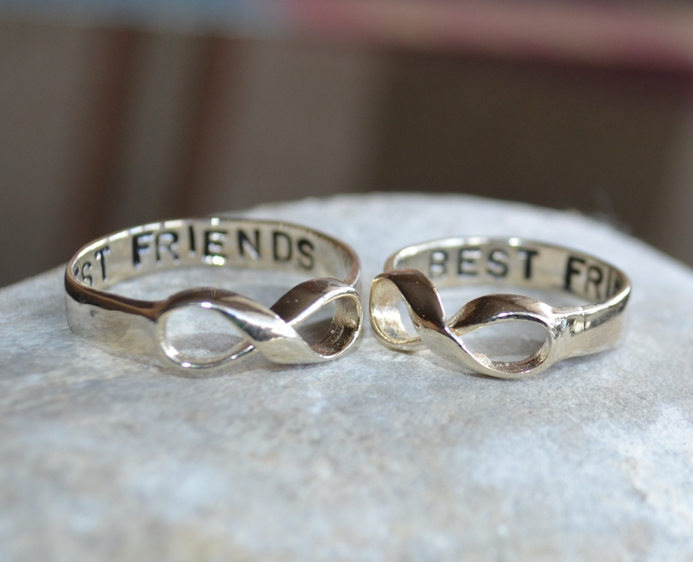 infinity wars how to add a friend