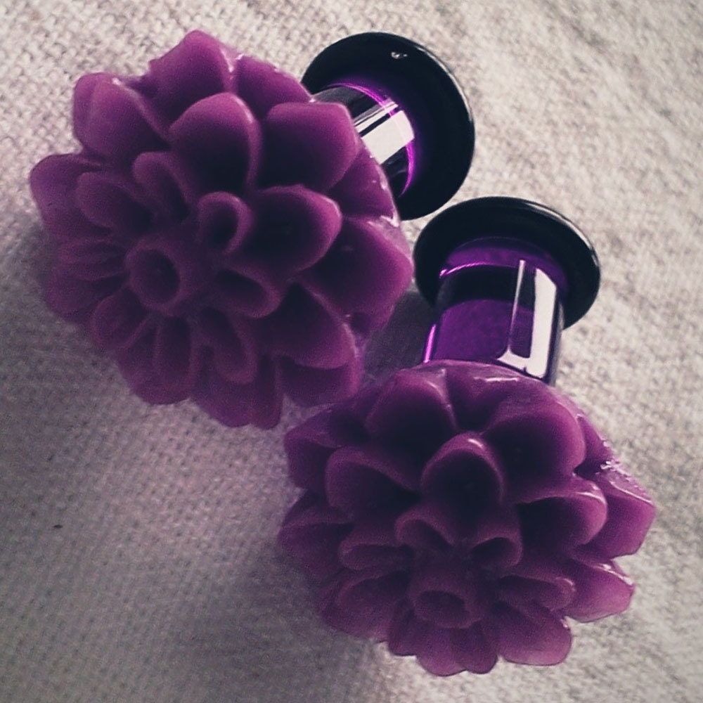 2g 6mm Plugs Purple Chrysanthemum Dahlia Acrylic by Glamsquared from etsy.com