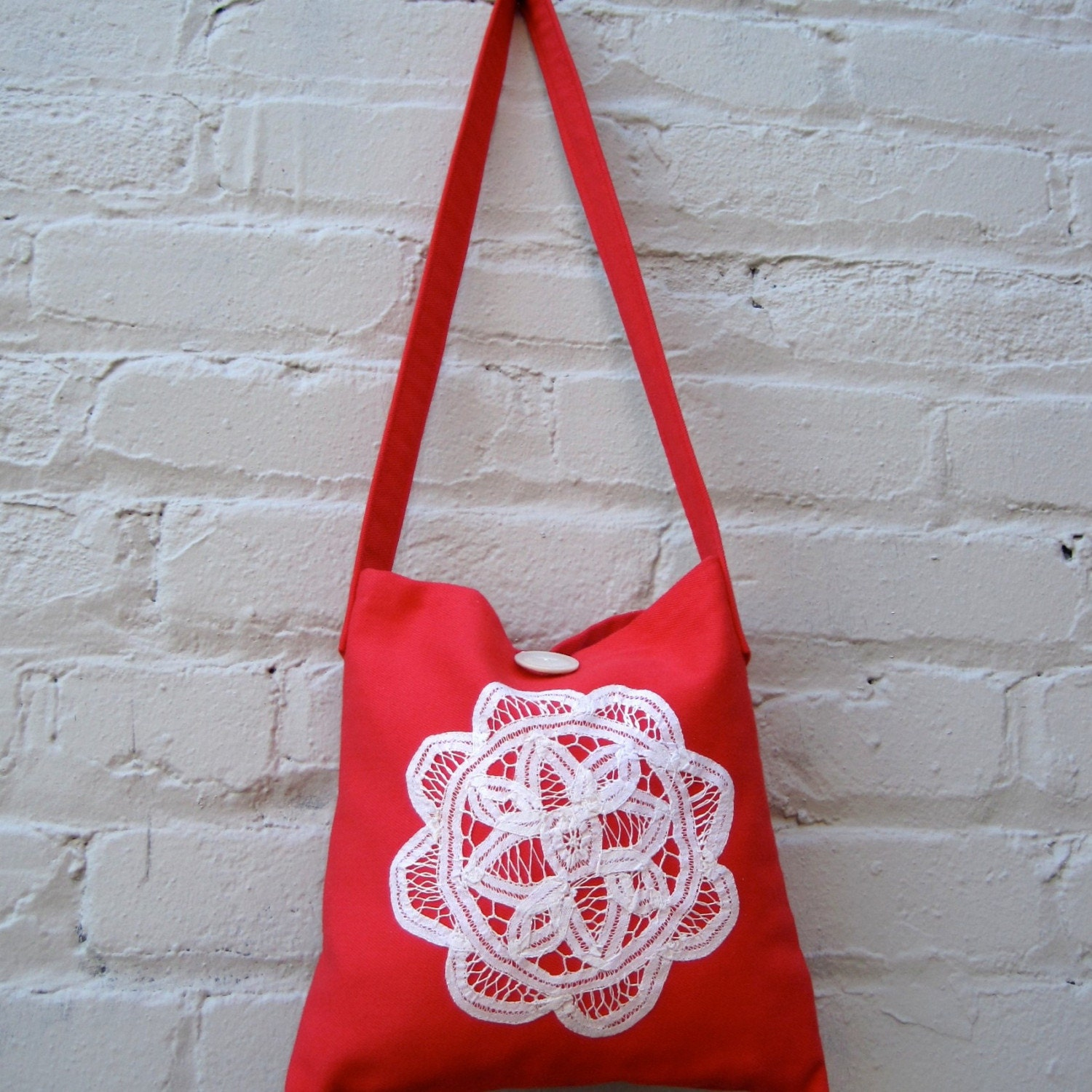 organic messenger hip bag / vintage lace on cherry red