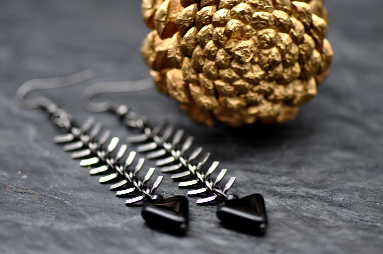 Gunmetal Fishbone earrings, made with triangular black czech glass beads - BBTAR