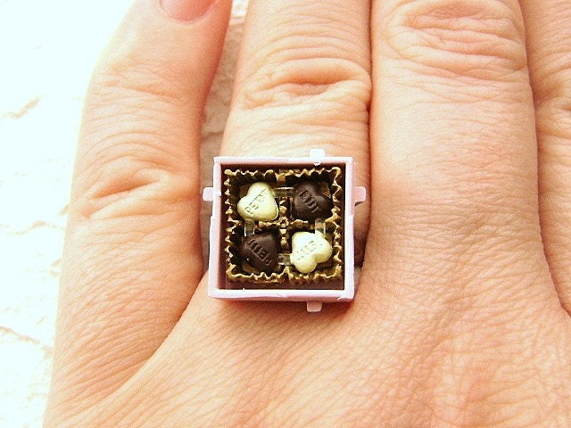 Petit Box Of Heart Shaped Chocolates Ring - Valentine's Day Gift