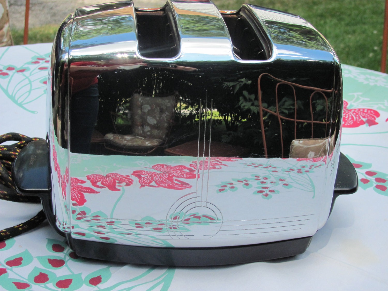 Vintage Art Deco, Sunbeam Toaster, Radiant Control Model T-20, Chrome