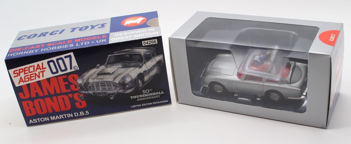 James Bond Aston Martin DB5 Silver  Thunderball 50th Anniversary  04206 Corgi  Collectible