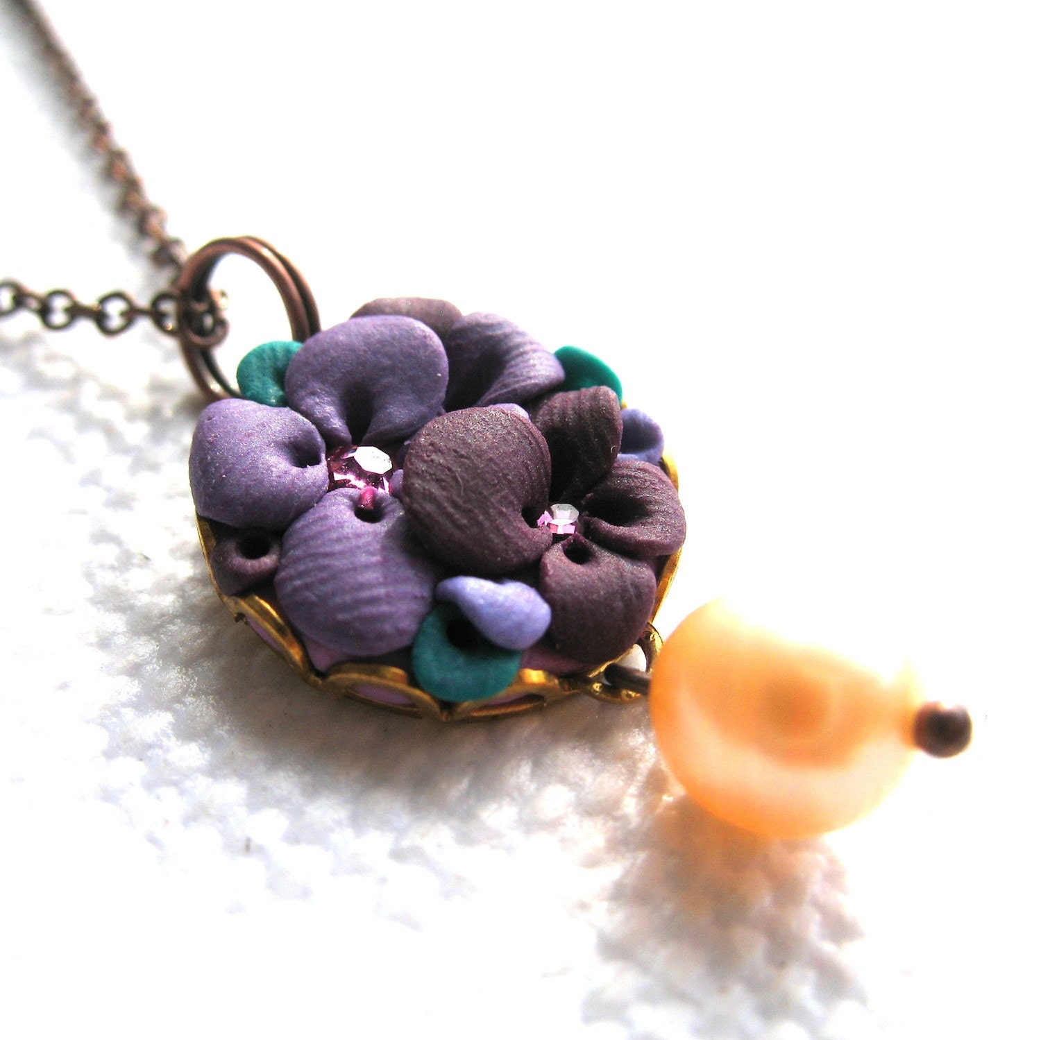 Petra - Little clay flower necklace