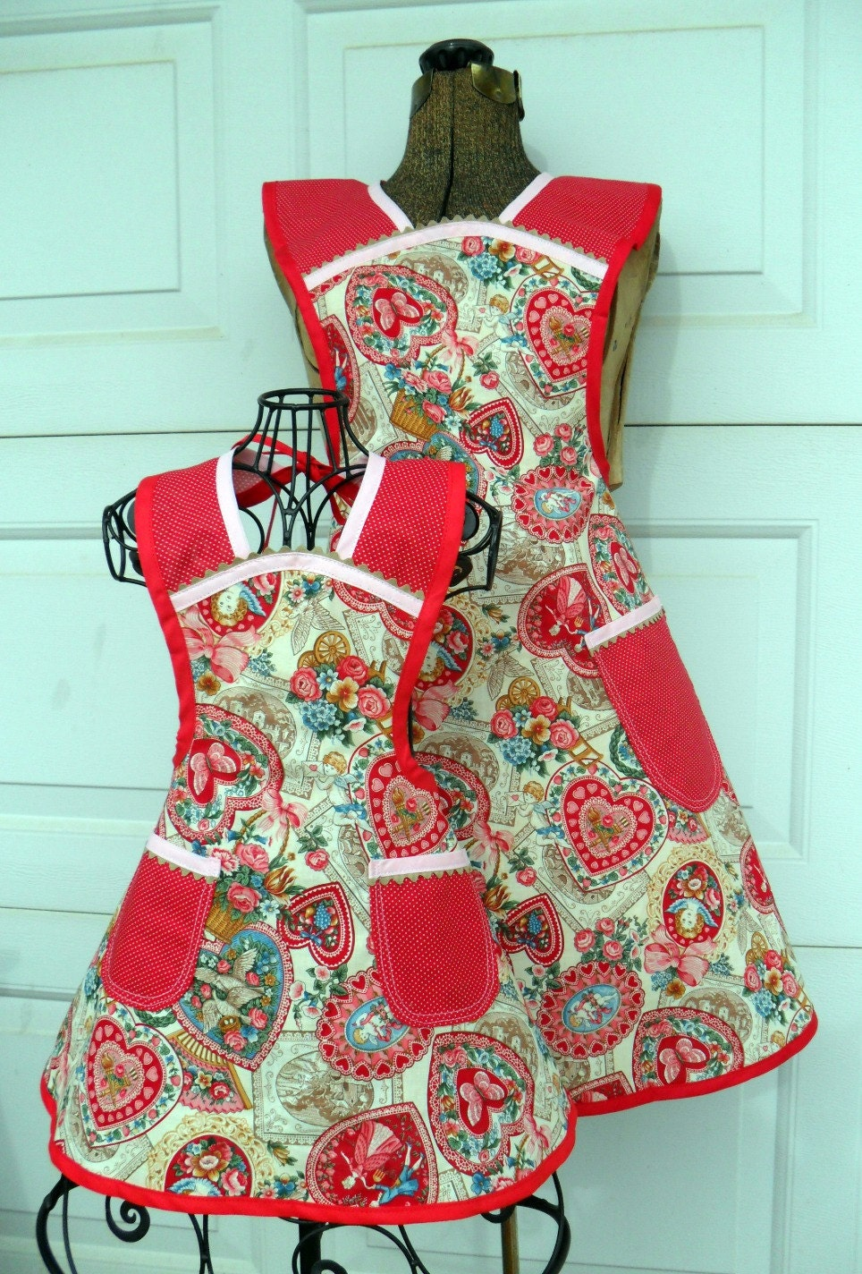 Vintage Style Valentine Apron Mother Daughter Matching Set