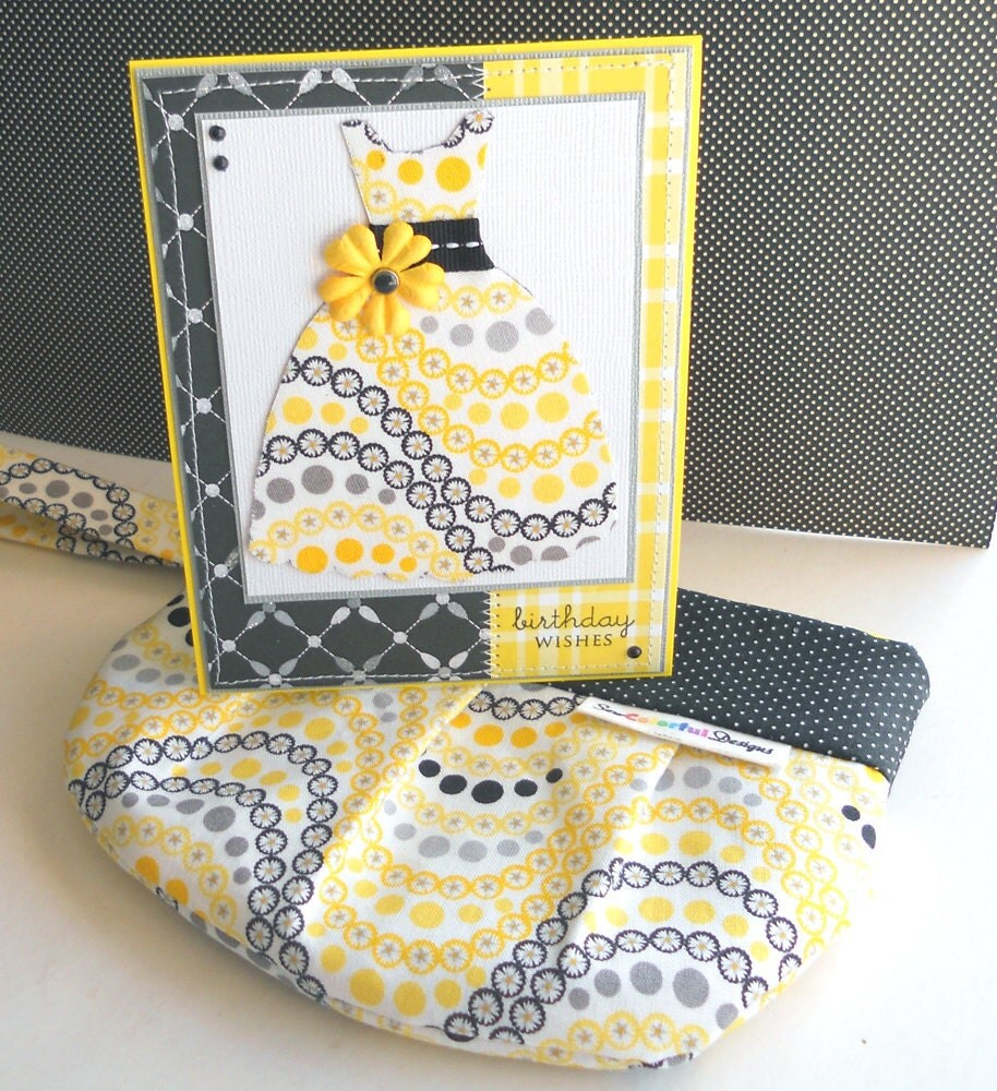 Birthday Gift Set: Birthday Card and Matching Wristlet - Chic Daisy