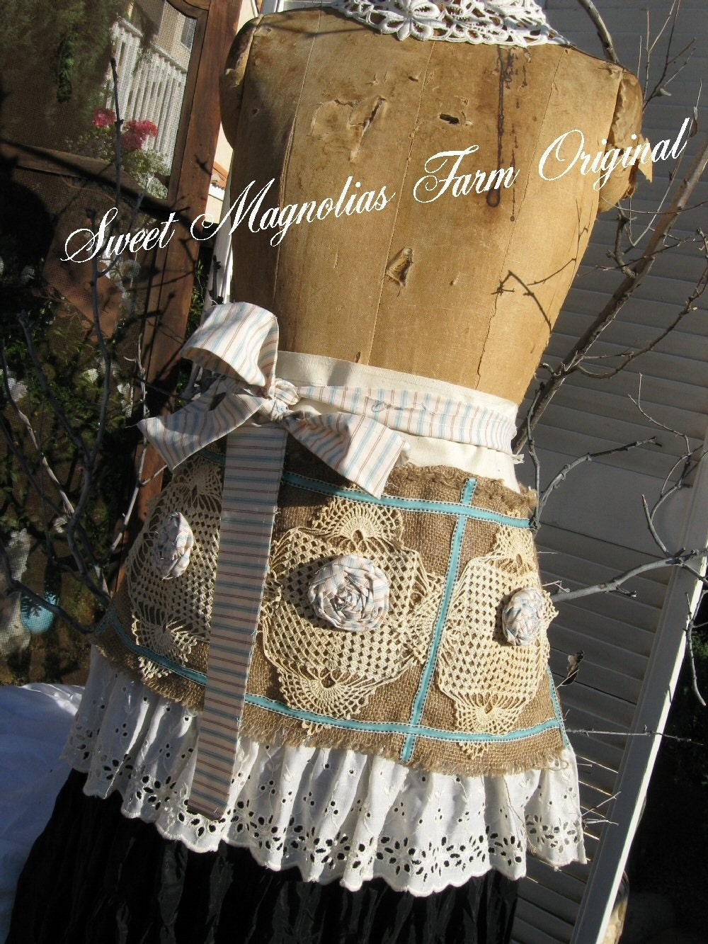 The Charming Farm Girl Custom Apron ..4 the Vintage Girl
