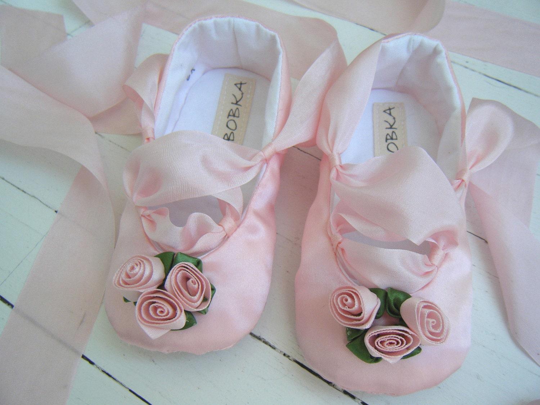 Розового атласа и розовых роз Классический балет обуви для вашего ребенка девушка