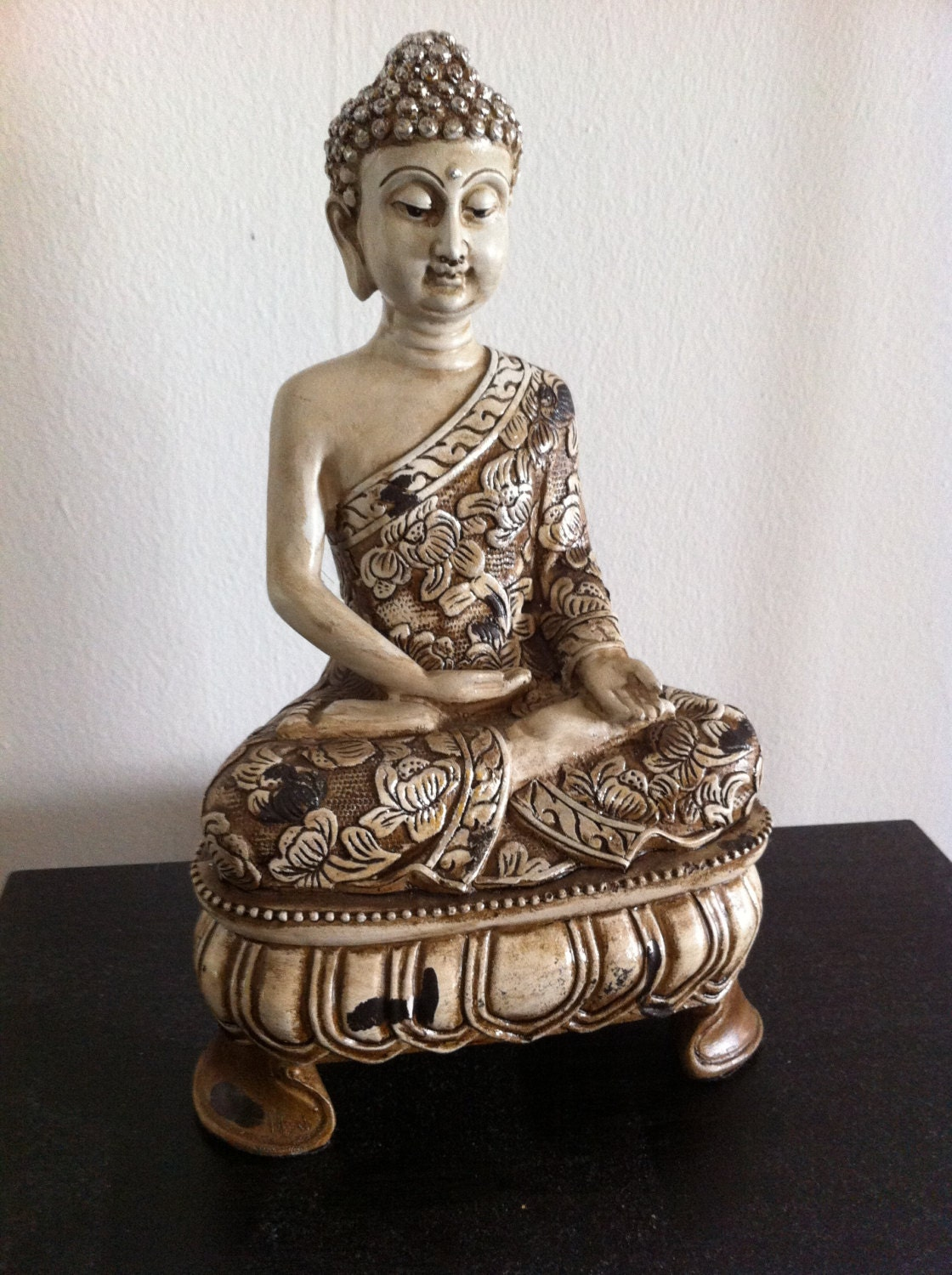 sitting buddha statue ivory white ornate by phantomas2011 on etsy. Black Bedroom Furniture Sets. Home Design Ideas