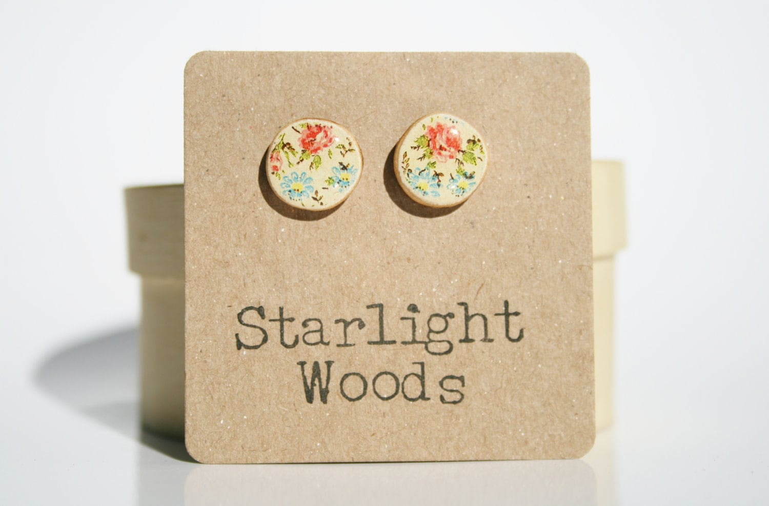Vintage floral studs earrings cream floral studs summer wood jewelry stud earrings nature inspired jewelry Minimalist jewelry  eco friendly