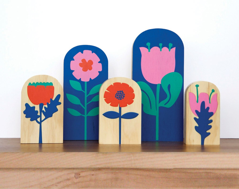 SET FIVE Spring Feel Woodys: ornaments or bookends