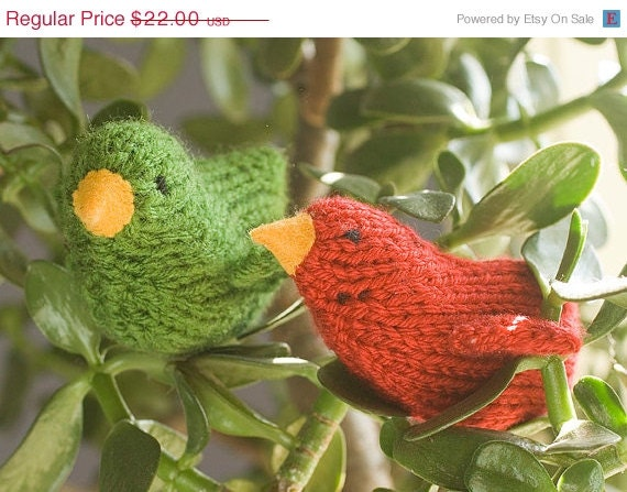 Red and Green Birds,  Knit Softies, Holiday Decor, Christmas Tree Ornament, Stuffed Toy, Waldorf Toy - beadedwire