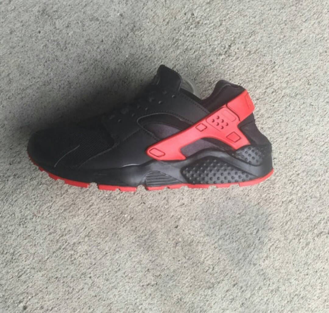 Nike Air Max  Huarache Nike Painted  Sneakers Airmax shoes Mens Trainers Black Sneakers  Customized Trainers