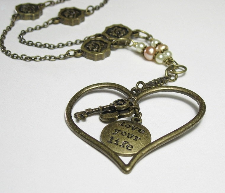 Vintage Style Heart Lock and Key Pendant Necklace