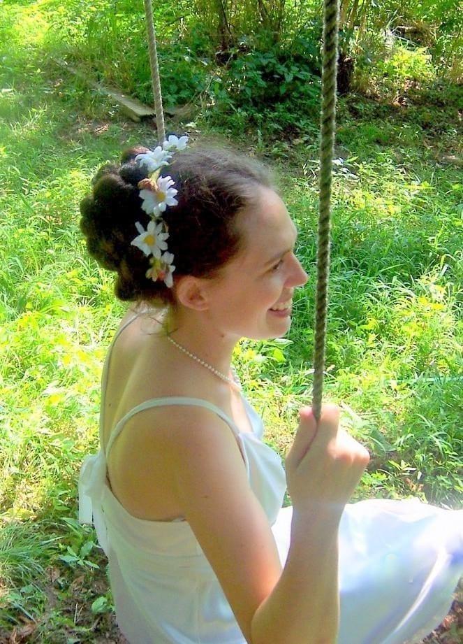 White Daisy   Chain Wedding Wreath headband
