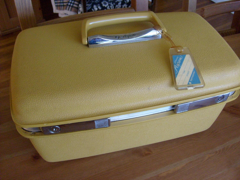 Aspen by Samsonite Yellow Train case