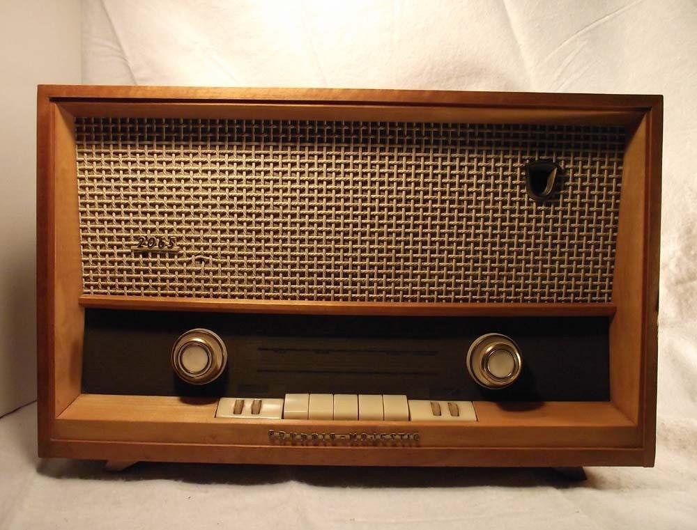Vintage Tube Radio Schematic besides Grundig Ocean Boy 510 Manual further 1 Tube Radio Schematics also Qq7843 further Saba Radio. on grundig tube radio schematic