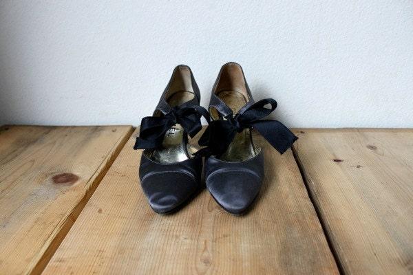SALE: Vintage 1980's Chanel Grey Silk High Heels - VintageRosemond