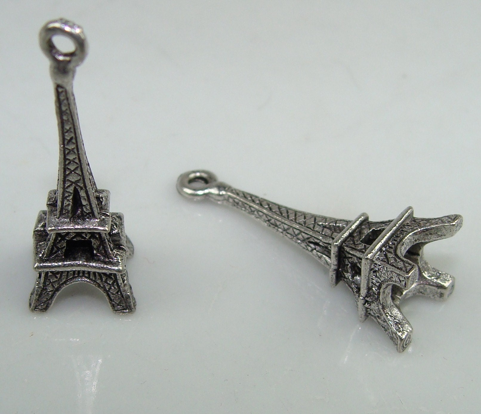 12 pewter eiffel tower charms 31120 wholesale lot by beadgiant