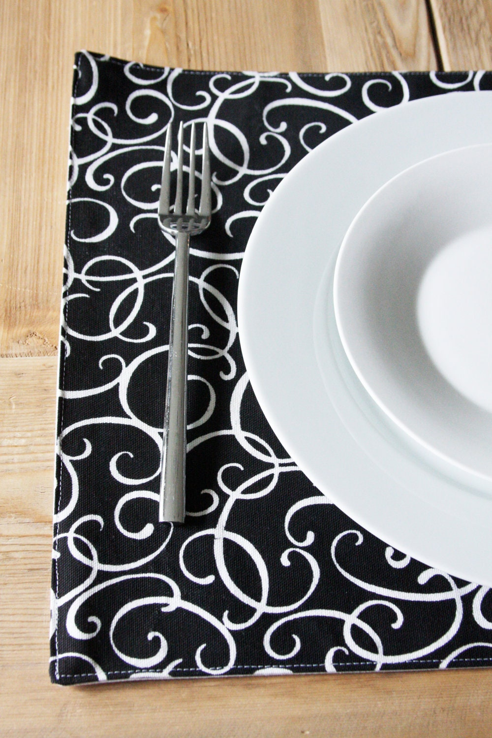 cotton placemats black and white squiggles set of 4 by izyandoly. Black Bedroom Furniture Sets. Home Design Ideas