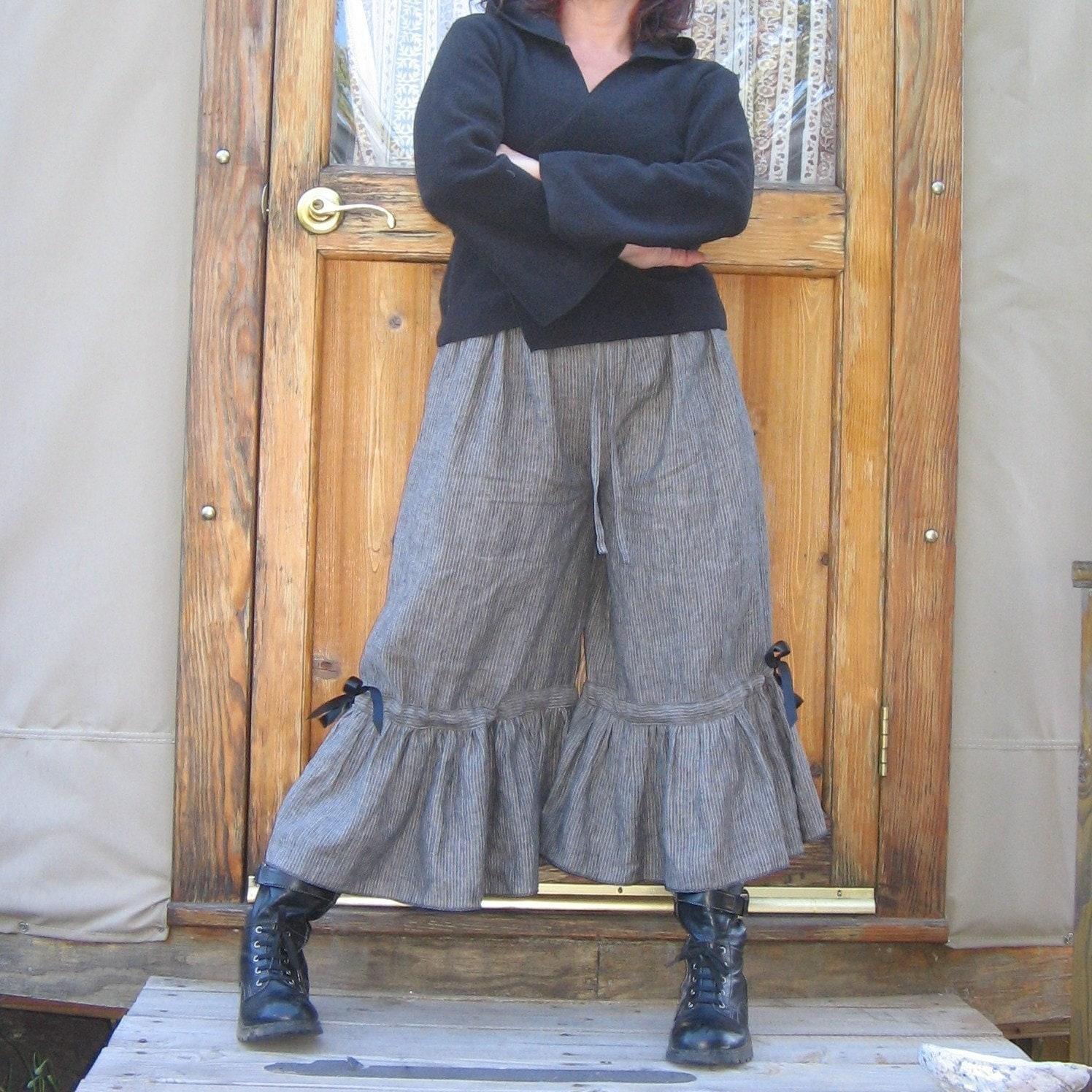 زنان Bloomers Steampunk سیاه راهراههای باریک روی پارچه کتانی رایگان به اندازه 16 و 18-20
