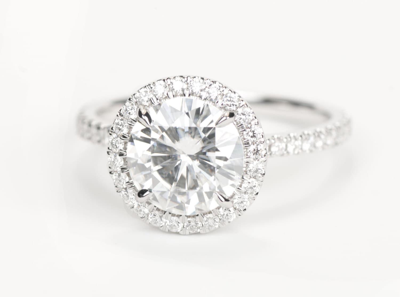 MM Round Amora Enhanced Moissanit e Diamond Ring 14K White Gold