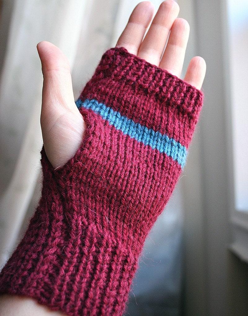 Luxurious Knit Fingerless Gloves in Baby Alpaca, Merino, Cashmere - Blue Blue Wine