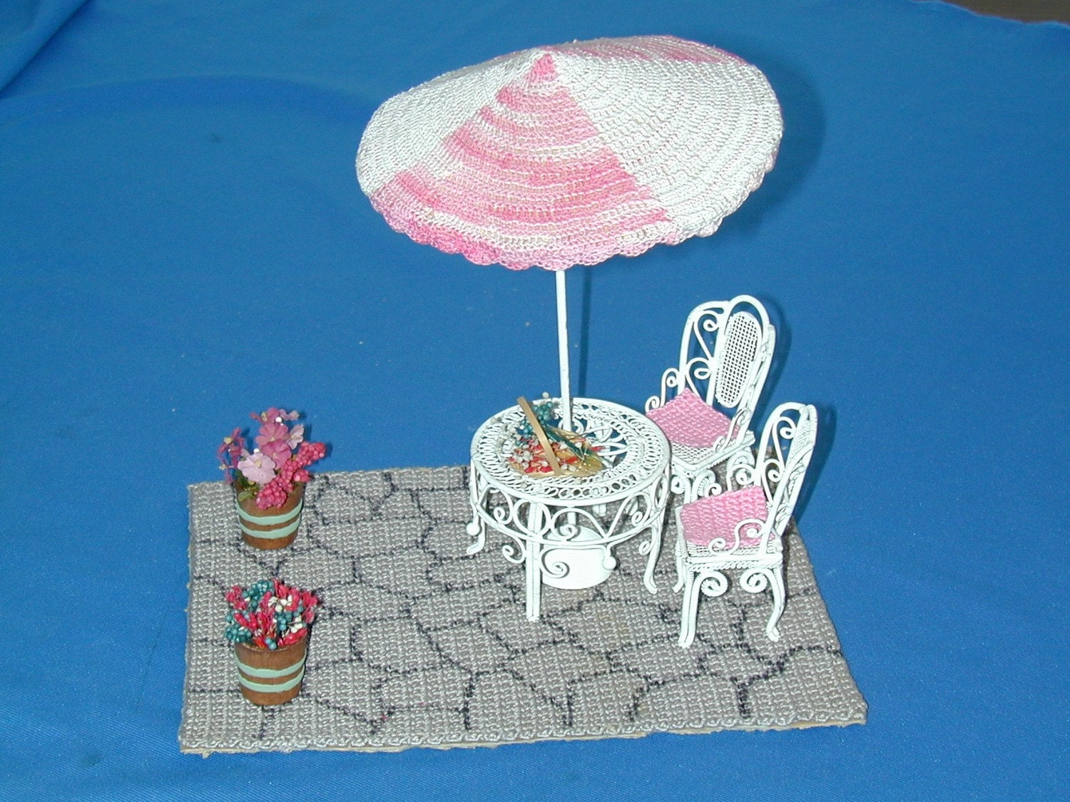 Patio Set inc. Patio, Table, Chairs, Umbrella & Flowers Dollhouse Miniature