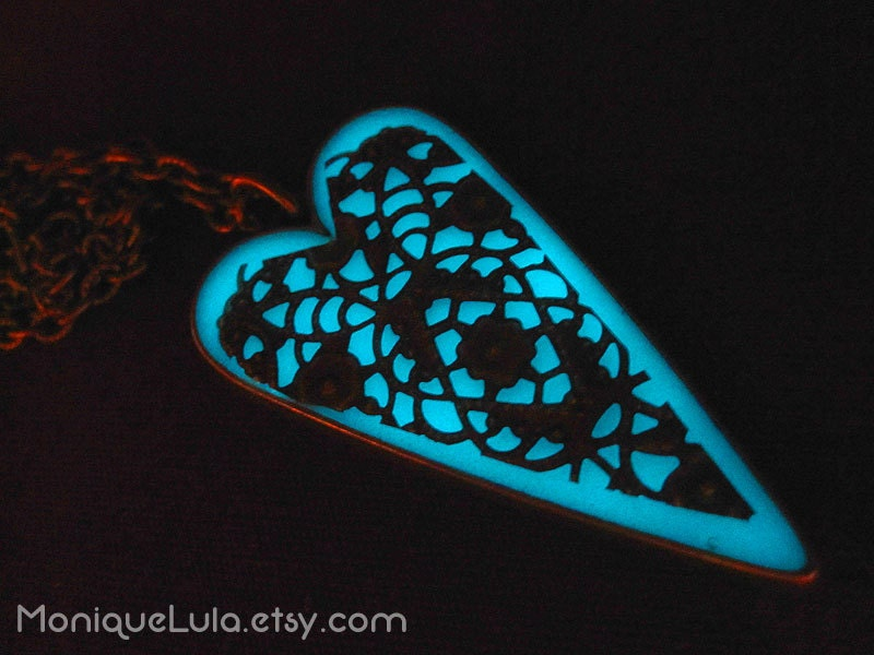 aqua glow heart pendant