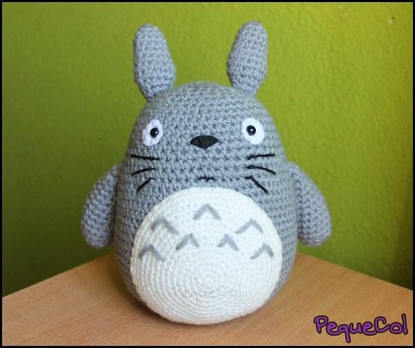 Tuto Amigurumi Totoro Francais : Totoro Amigurumi big 30 cm. by PequeCol on Etsy