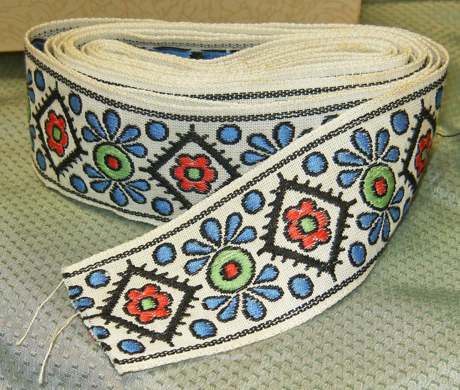 Embroidery ribbon supply « origami