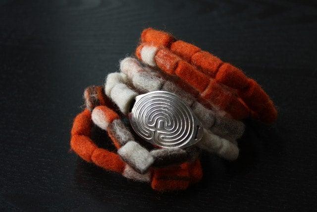 Labyrinth :  wrap bracelet . felt . fine silver