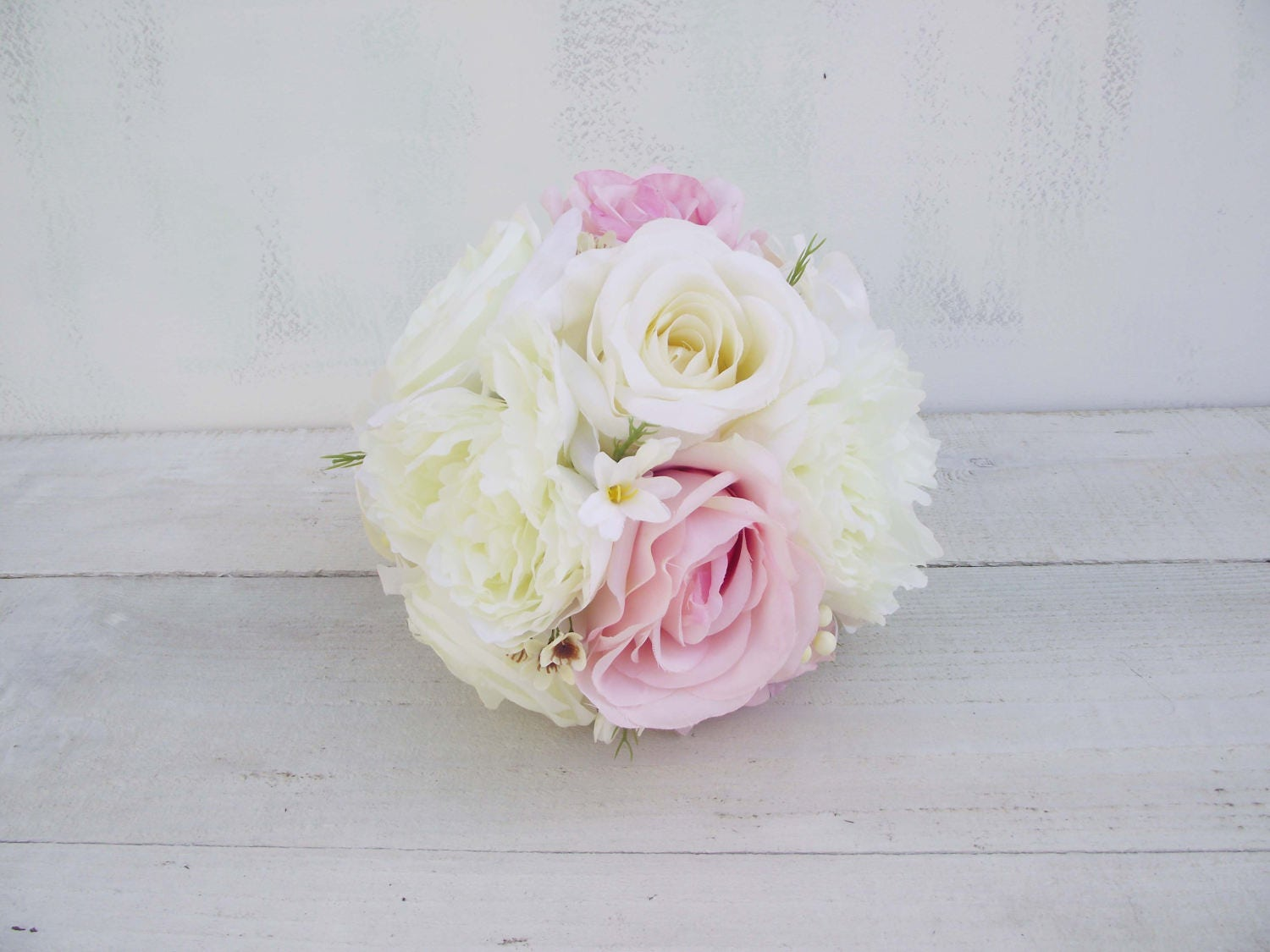 Romantic wedding flowers bridal bouquet bridesmaid bouquet classic round posy bouquet silk flowers ivory pale pink peony rose contemporary