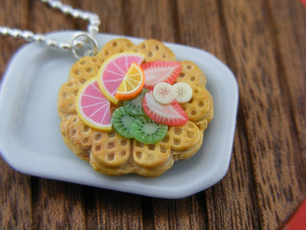 Вафельные С ожерелье фрукты