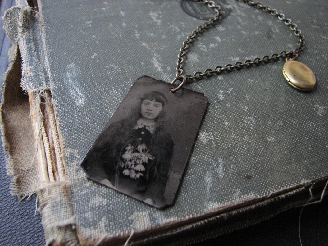 http://ny-image2.etsy.com/il_570xN.201187862.jpg
