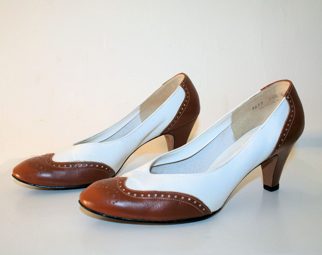 80 s brown and white leather spectator pumps by