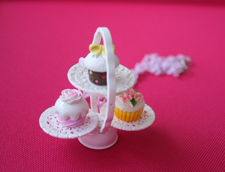 Cupcakes necklace