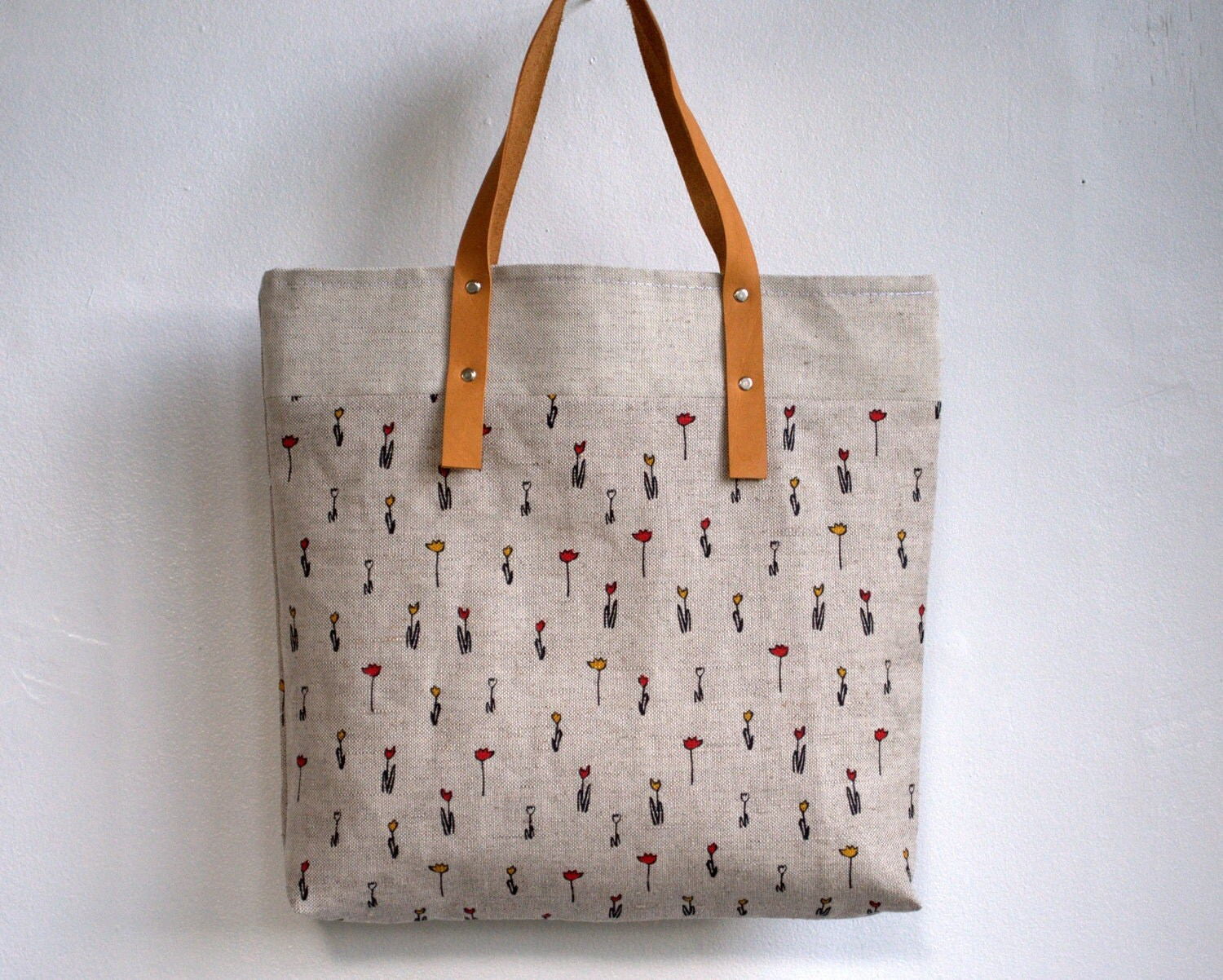 Tote bag, shopping bag,market bag linen  with leather handles with zipper