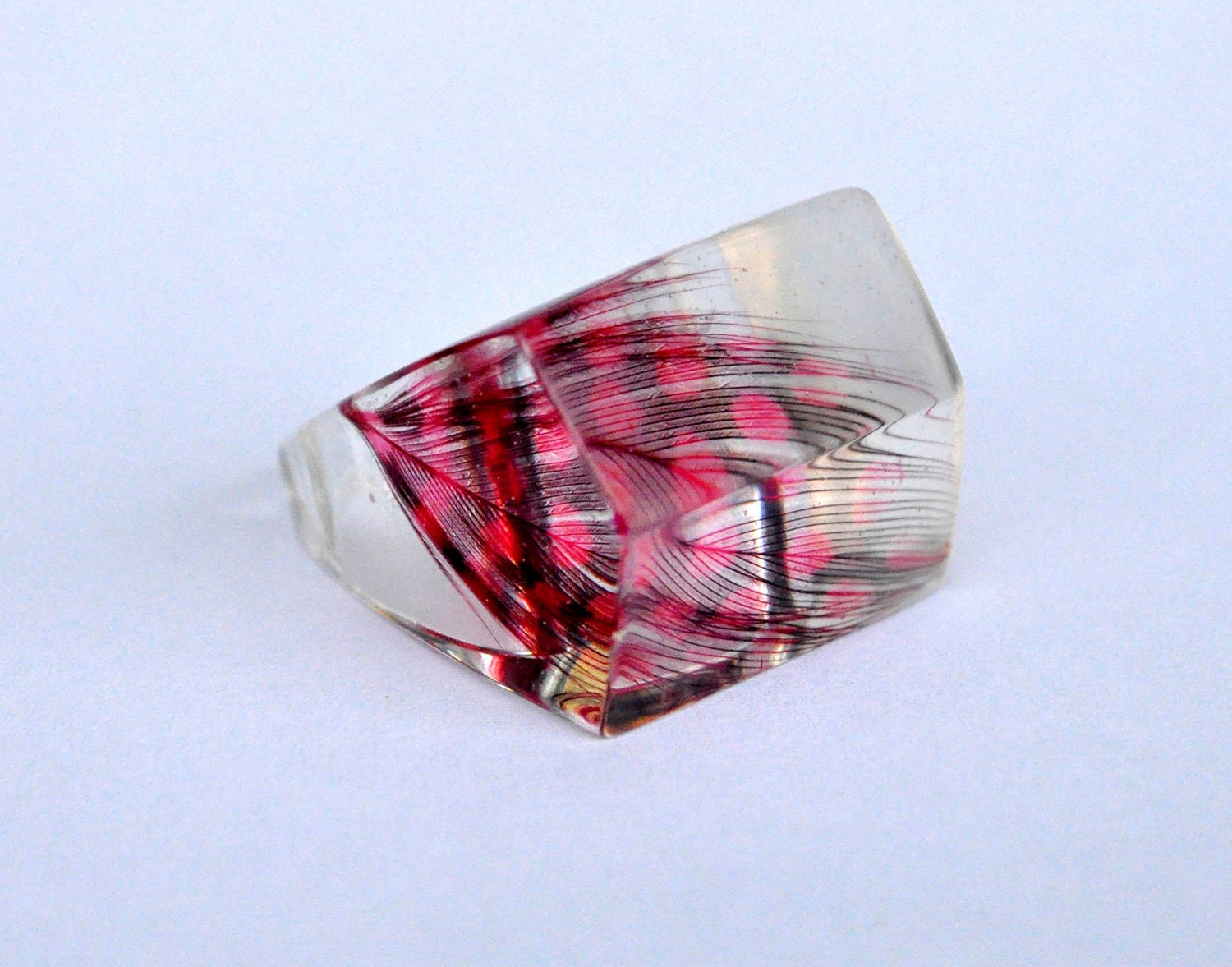 Feather Resin Ring. Resin Jewelry. Limited Edition. Red. Size 16 mm 6 USA. Statement Ring.