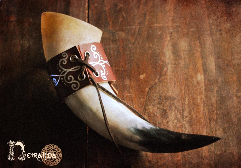Leather horn holder - Neirahda