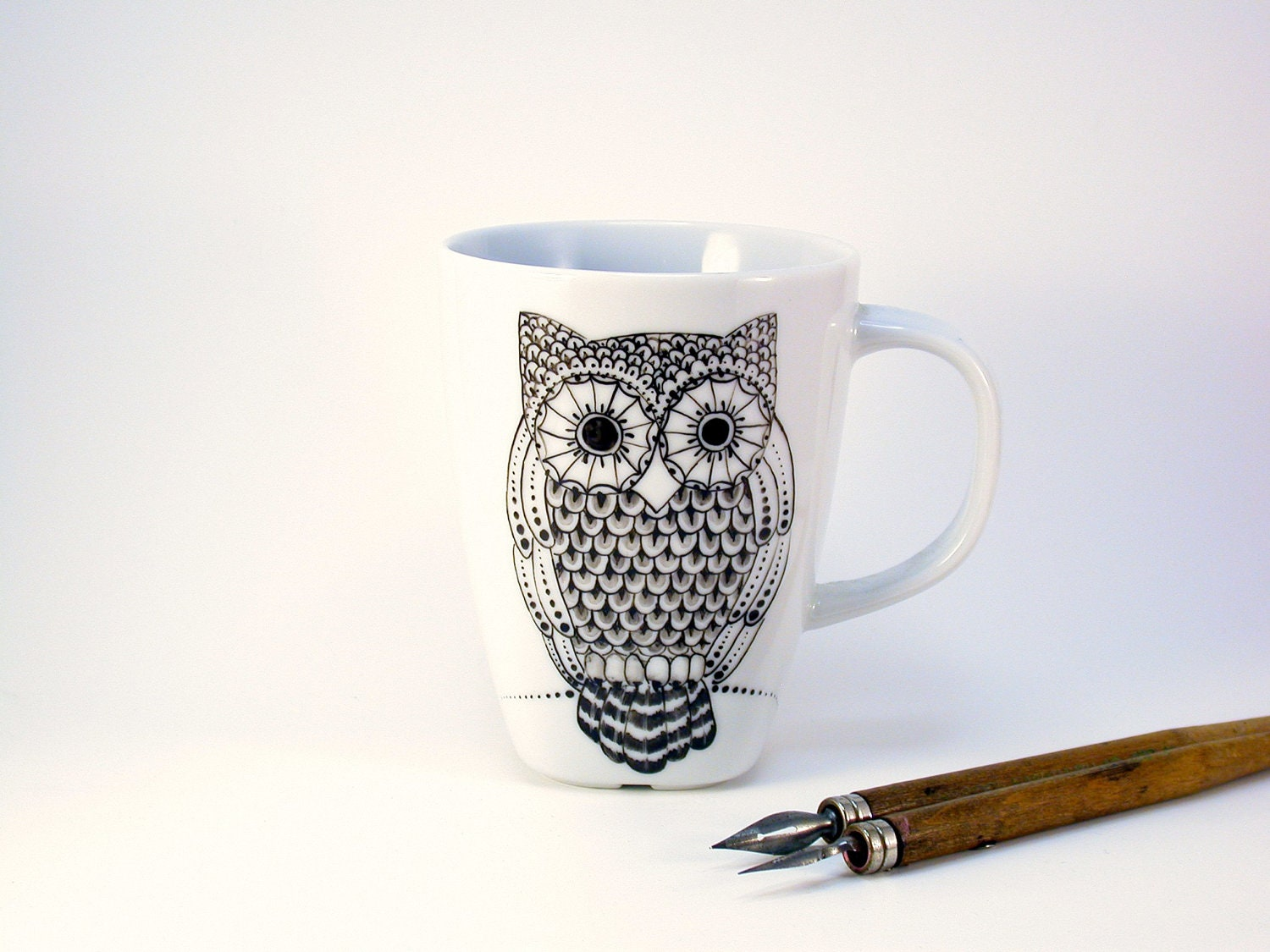 owl mug, handpainted in black