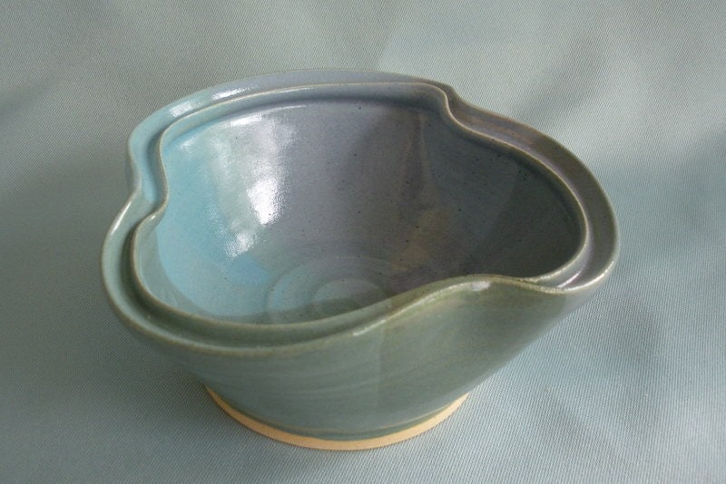 Double-Rim Bowl