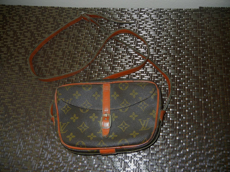 1980s vintage Louis Vuitton LV monogram Jeune Fille handbag - cutie  - 170 x 135  12kb  jpg