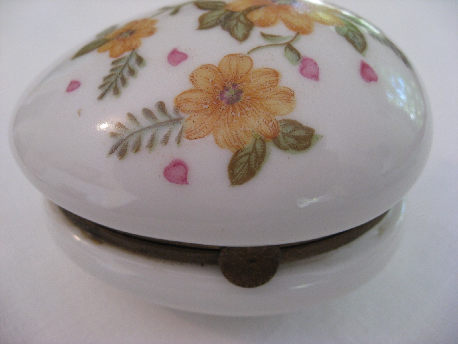 Vintage Lefton Trinket Box - Hinged Porcelain Egg Shaped - Japan - Number 55